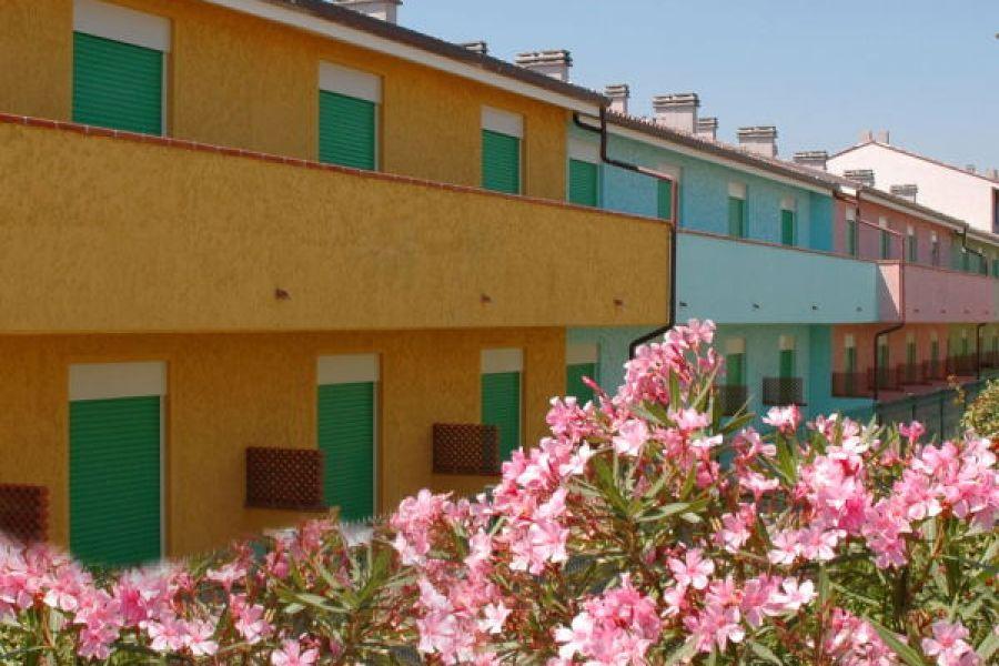 Long Beach Village Lido Adriano